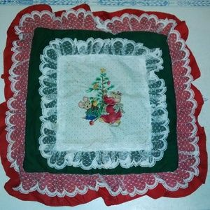 Other - Christmas Pillow Cover Mouse Family Lace Ruffled